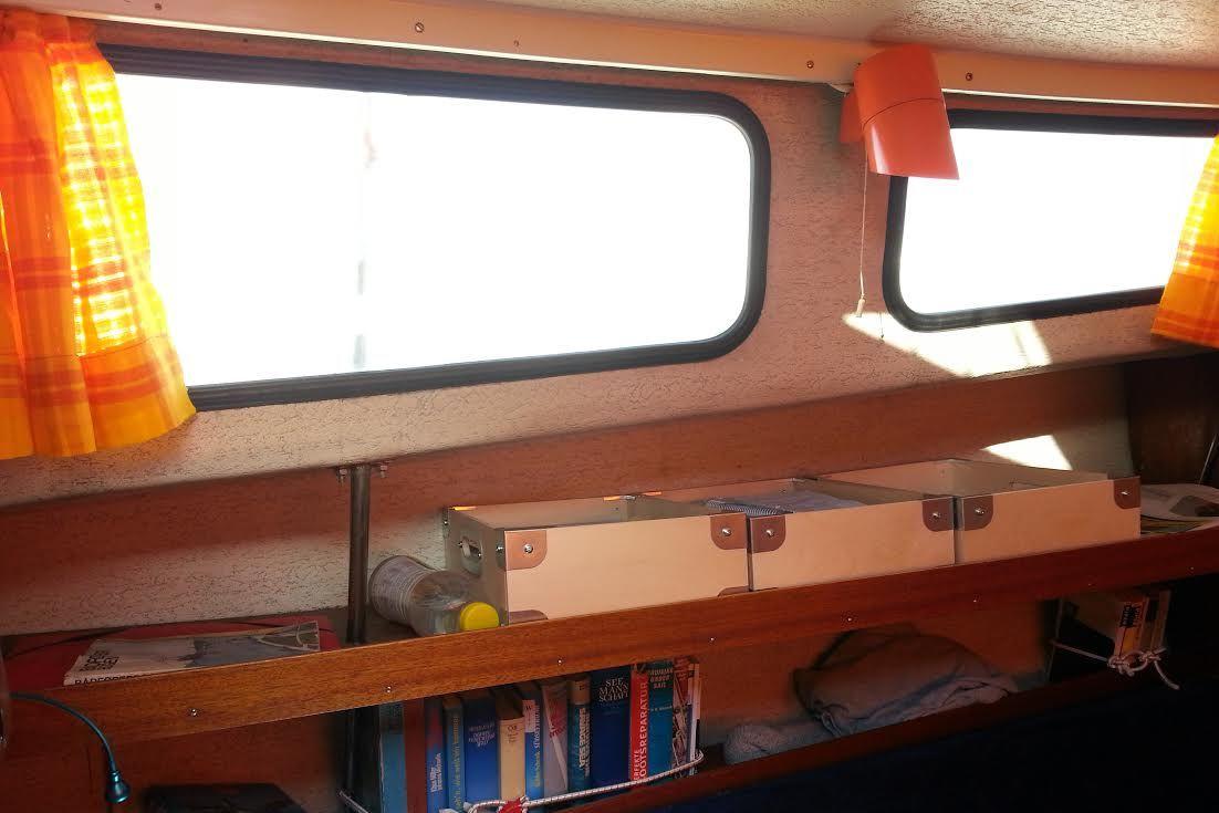 70'er design, den næsten ubetalelige lampe og gardiner fra bloggerens gamle sommerhus. Foto: Bøje Larsen