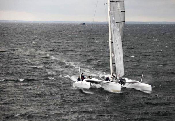 Carbon3 under Palby Fyn Cup, før uheldet ved Romsø. Foto: Lars Ørum fra Erik Filsø's helikopter