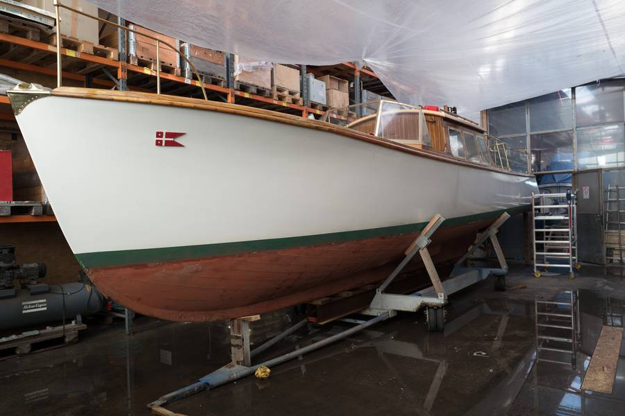 Admiralens chalup vinteropbevares og serviceres på Faaborg Værft. Foto: Søren Stidsholt Nielsen, Søsiden, Fyns Amts Avis.