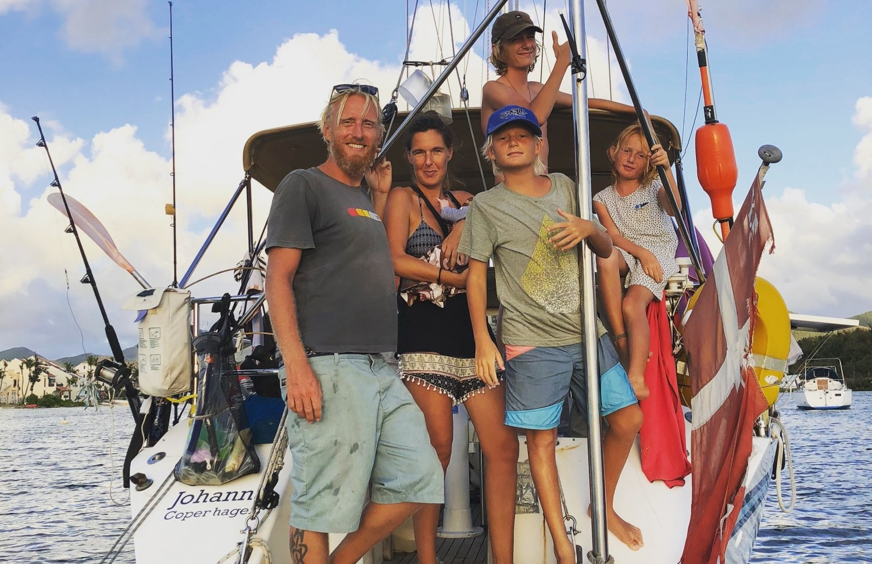 Så stor er Cilles familie blevet efter en lillebror kom til for få uger siden. Familien er nu på vej mod Bahamas. Privatfoto