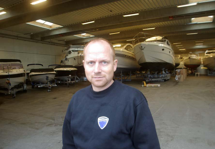 Dani Schulze, 38, står nu i spidsen for Boatclub, hvor der fra bådhallen er udsigt til den nye Lillebæltsbro. Foto: Troels Lykke