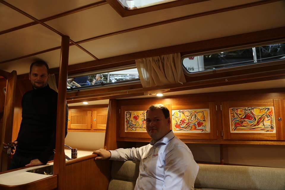 Thomas Dan Hougaard, tv. og Søren Duedahl er her om bord på Faurby 363 med fabelkunst. Fotos: Troels Lykke