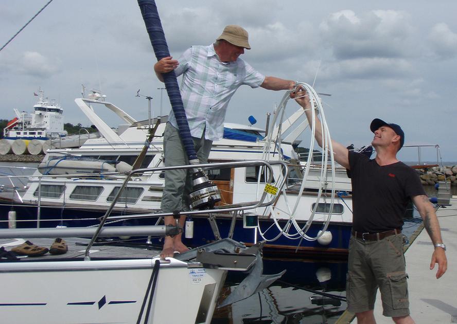 Johnny Kirk og Gert Hulevad i Aabenraa Havn. Foto: Elvstrøm Sails
