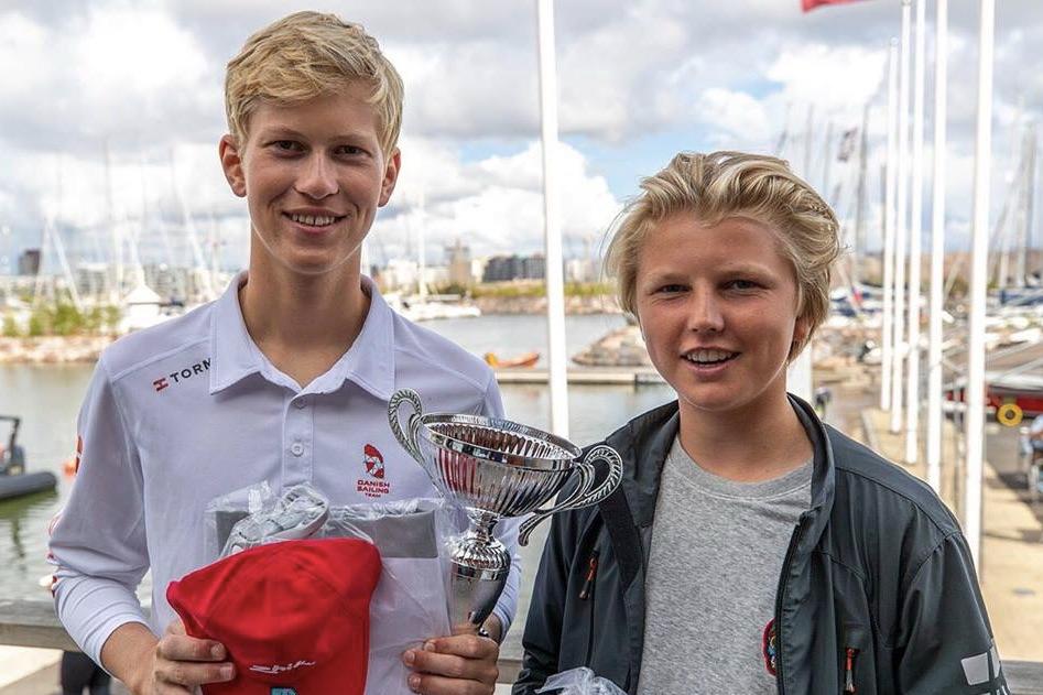 16-årige Victor Ladefoged og 15-årige Mads Poder vandt overraskende EM-bronze i Finland uden træning. Foto: PR-foto