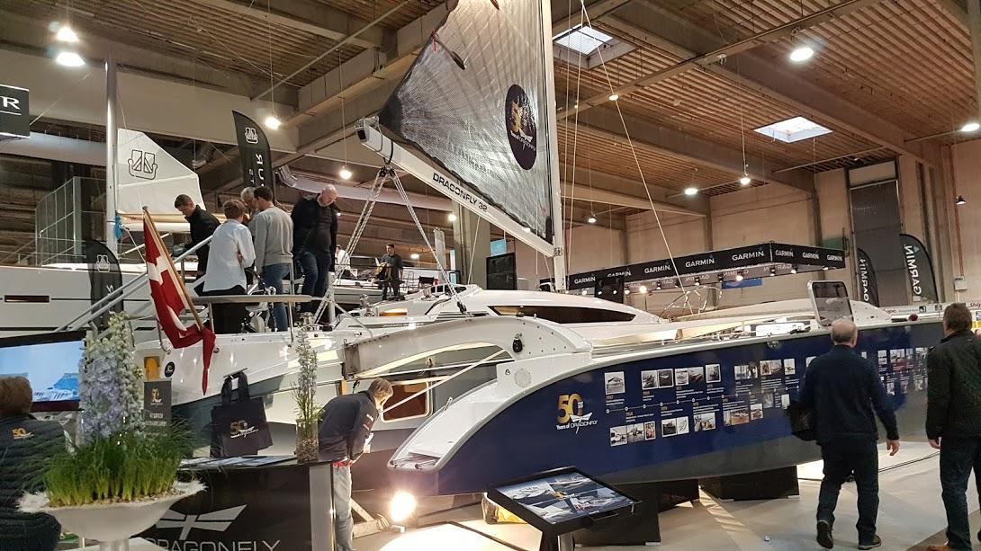 Dragonfly kunne fejre firmaets 50 år på Boat Show i Fredericia. - Det var en utrolig god og hyggelig messe, siger Jens Quorning fra Quorning Boats. Foto: Troels Lykke