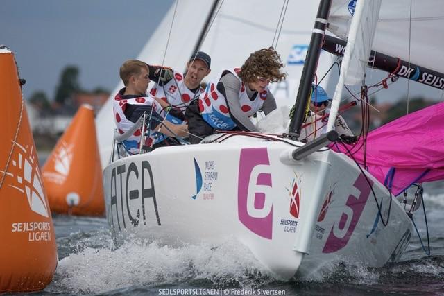 Faaborg-holdet er sluttet som henholdsvis nummer elleve og otte i sæsonens to første stævner. Foto: Frederik Sivertsen / Sejlsportsligaen
