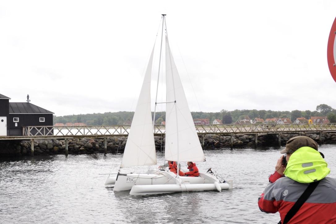 Trimaranen 'Proof of Concept' ses her på vandet i Kerteminde. Foto: Jens Wellejus