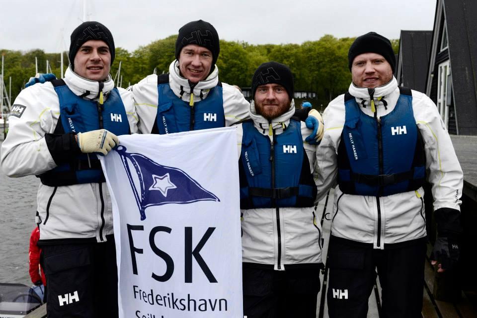 Efter lørdagens sejladser ligger teamet fra Frederikshavn nummer et, men stillingen er meget tæt i toppen. Foto: sejlsportsligaen.dk