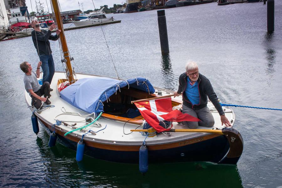 Kirsten Lund, der i mere end tyve år har været enke, donerede for små to år siden Pingvinen til Svendborg Museum. Foto: Søren Stidsholt Nielsen, Søsiden, Fyns Amts Avis