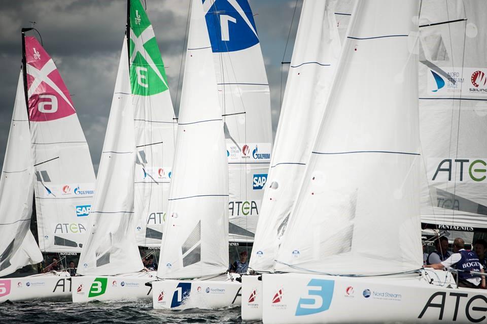 Normalt er der 6 både per start i sejlsportsligaen, men der forventes mange flere ved første start i Hadsund Sejlklub. Foto: Sejlsportsligaen.