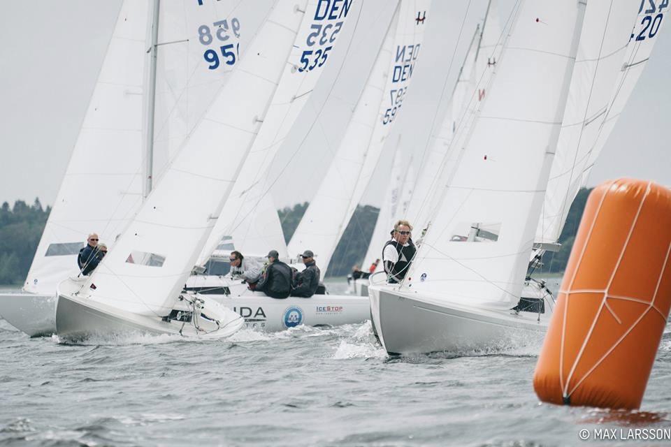 17 H-både kæmper på Aarhusbugten i weekenden. Foto: Max Larsson