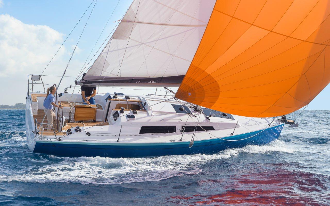 Hanse 315 har hævet fribordet i forhold til den tidligere Hanse 325, men designerne Judel/Vrolijk, har gjort det uden at båden ser klodset ud. PR-foto