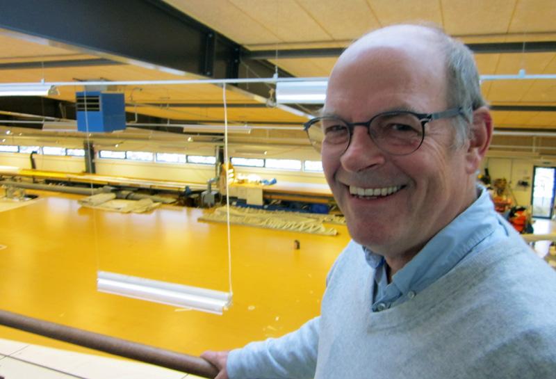Henrik Søderlund smiler og med god grund hjemme hos North Sails i Allerød, Telefonica fører nemlig Volvo Ocean Race. Foto: Troels Lykke