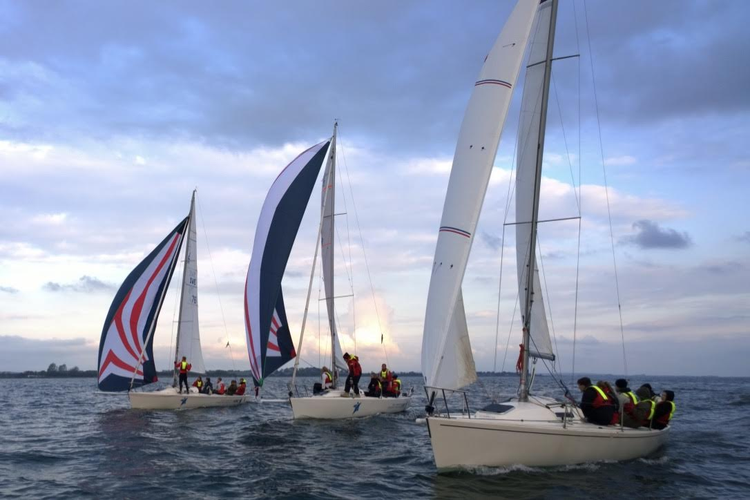 Hou Maritime Idrætsefterskole råder i alt over seks J/80'ere og fem Svendborg Senior joller. Foto: Hou Maritime Idrætsefterskole