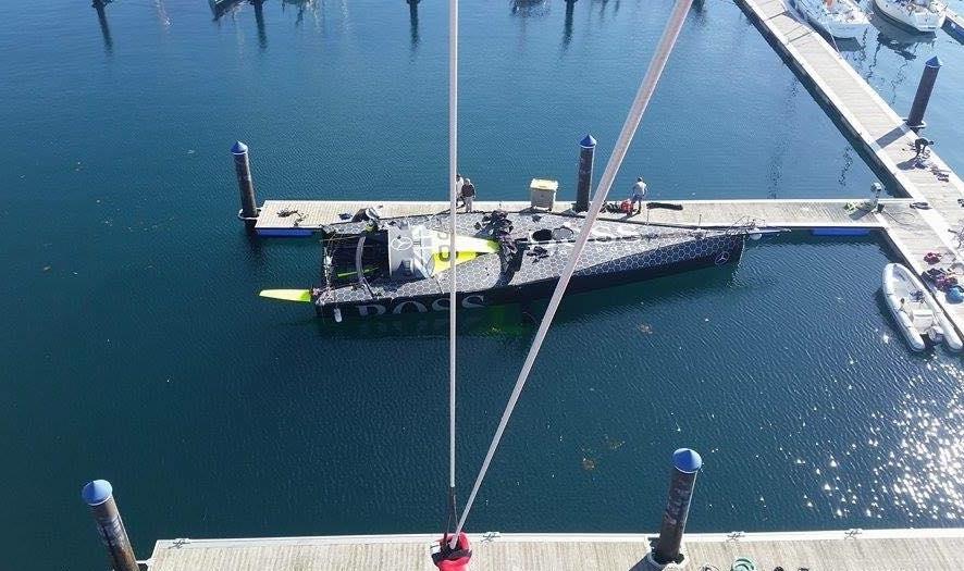 IMOCA 60'eren er nu bjærget i havn i Spanien. Foto: Mr. Clean