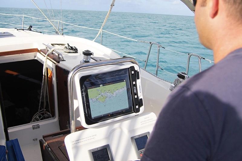 De elektroniske søkort - og dermed iPads og tablets - ses på flere og flere lystbåde. Foto: ScanMarine DK