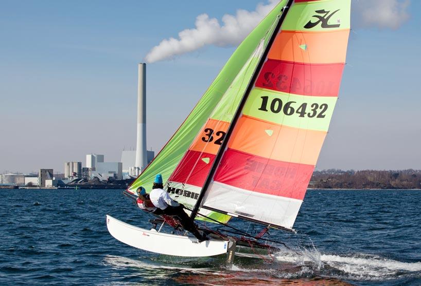 Frederik Rask og Natacha Saouma-Pedersen fik sejlet lidt fredag, før det dårlige vejr for alvor slog igennem. Foto: Emil Landry