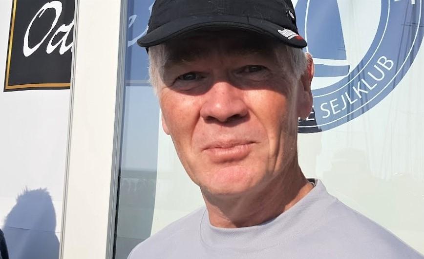 Jan Hansen ses i Kerteminde til Classic Fyn Rundt, hvor han sejler X4.3 med sin ven Henrik Jørgensen. Foto: Troels Lykke