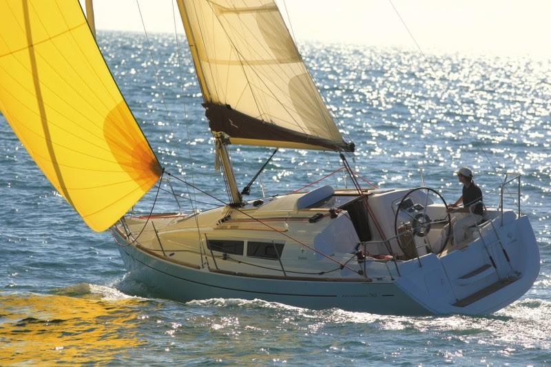 Både fra 00'erne er i høj kurs på brugtbådsmarkedet. Her ses Jeanneau fra 2010. Foto: Tempo Bådsalg