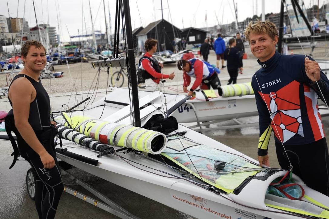 Anders Johansen og Joakim Salskov-Iversens har ført den måske korteste kampagne ved VM. Kun to dage havde sejlerne til at forberede sig til det kæmpe stævne. Foto: Troels Lykke