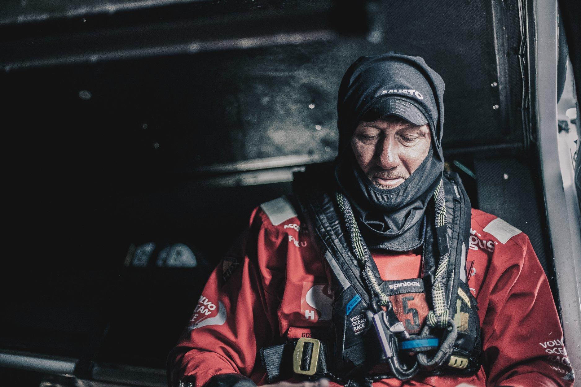 John Fisher blev slået over bord af storskødet i en ufrivillig bomning, mens båden sandsynligvis surfede over 30 knob ned af en bølge. John blev aldrig fundet. Foto: Scallywag