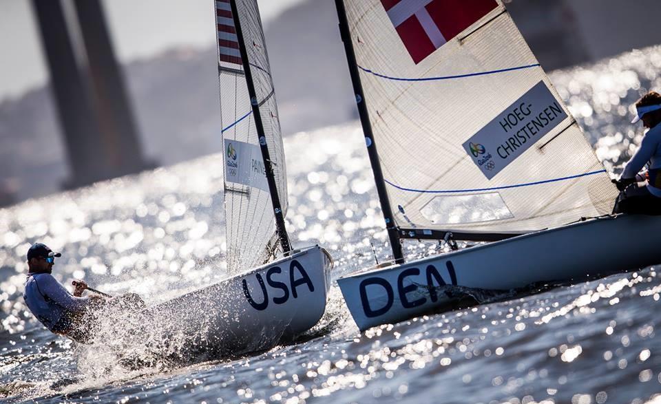 Jonas Høgh-Christensen havde et OL med mange vindhuller, kæntring og ødelagt sejl. Foto: World Sailing