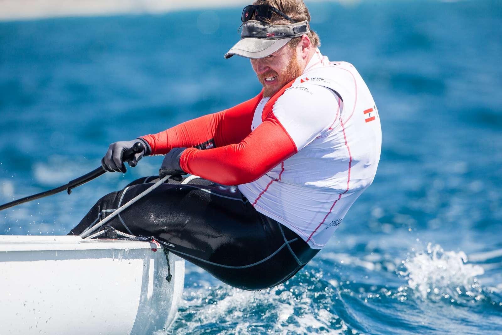 Jonas Høgh fører blandt Finnjollerne i Miami. Foto: Dansk Sejlunion