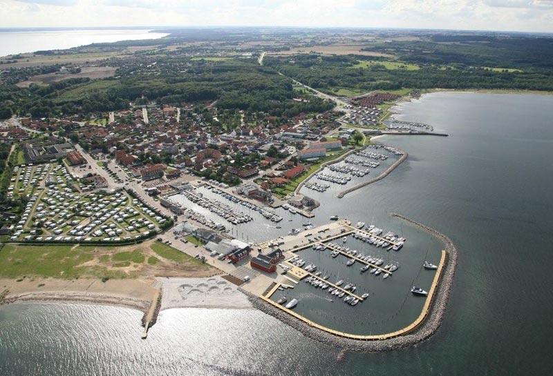 Juelsminde har klaret sæsonen med knap 5 % nedgang i antallet af gæstesejlere. Foto: Juelsminde havn og marina