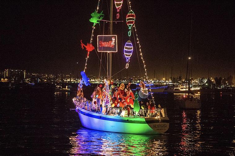 Det er de færreste sejlere, der fejrede julen sådan her. Alligevel har mange fået gaver fra de maritime forhandlere til jul. Arkivfoto
