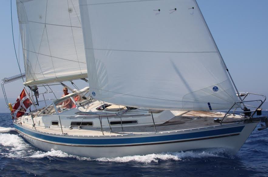 Leo Schmidts  Drabant 330  har han forlænget ved at støbe en ny agterende på . - Den længere vandlinie har givet mere fart. Især på de lange stræk over Atlanterhavet, hvor vind og bølger kom ind agten fra havde vi gavn af den større bæreflade. Gran Kanaria - Barbados blev sejlet  på 18 1/2 døgn, siger sejleren til minbaad.dk