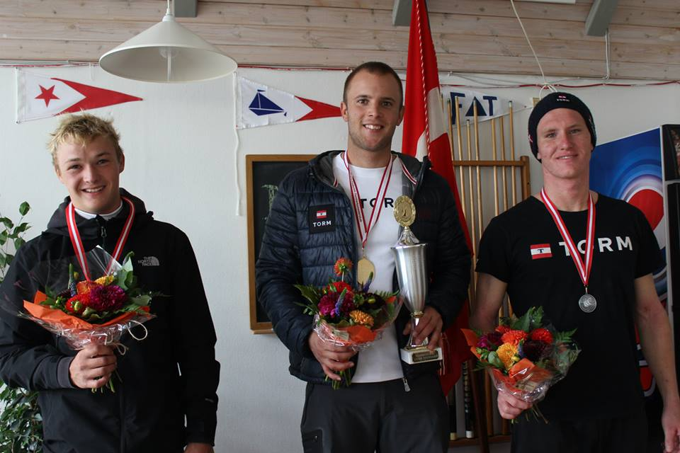Danmarksmestrene i Laser: G. Rost, Thorbjørn Schierupog Stig Steinfurth.