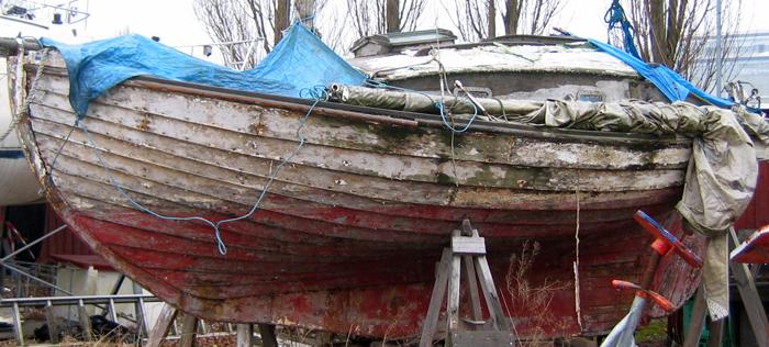 Misligholdt båd i Lynetten. Foto: Lone Kühnell Ulbrink
