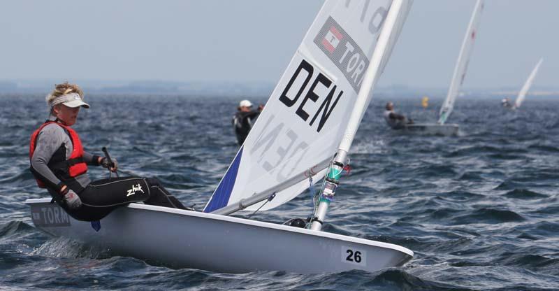 Maiken Schütt er blandt de OL-sejlere, der har let ved at sige sin mening. Det samme positive kan vi sige om Alberte Holm Lindberg. Foto: Troels Lykke