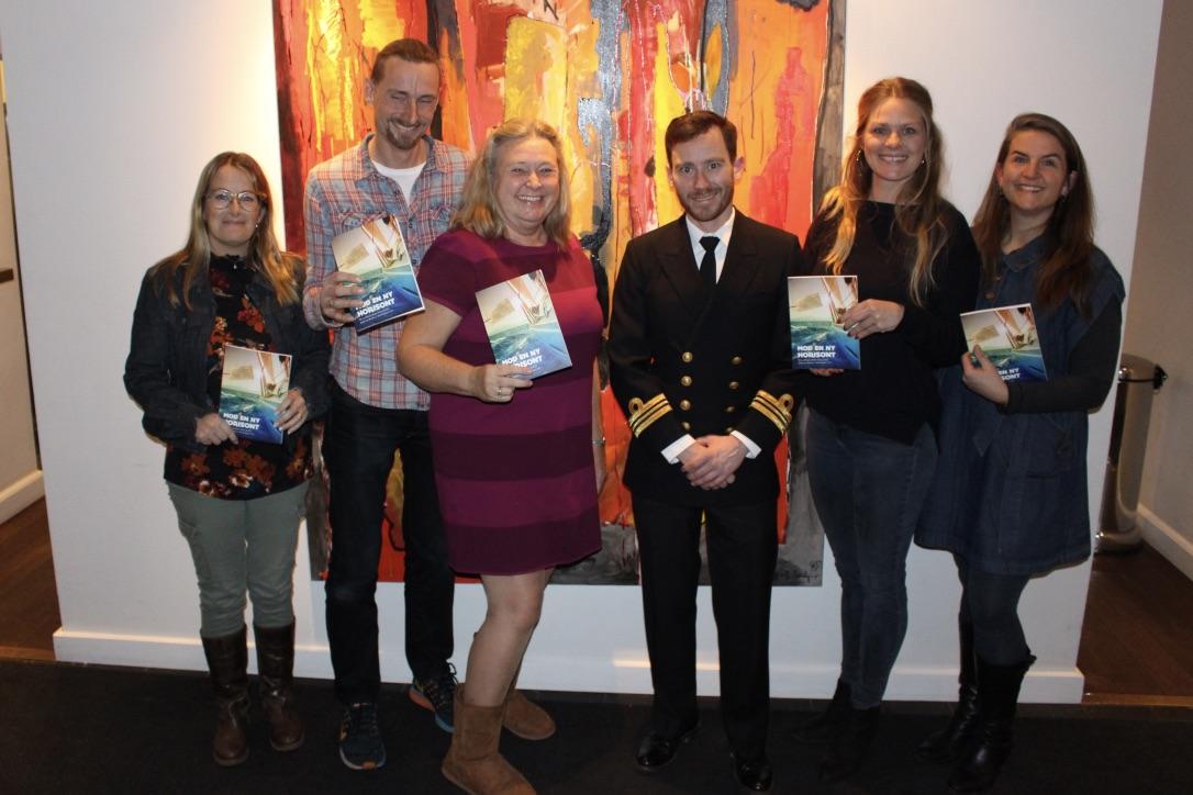 Til receptionen kunne man møde nogle af forfatterne til bogen. Fra venstre Margareta Veber, Thomas Veber, Benedikte Riis, Martin Engelhardt, Signe Storr og Malene Wilken. Foto: Torsten Rasmussen