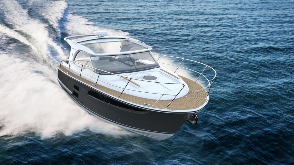 Skroget på Marex 310 er let planende og bygget til en motor på drev. Farten er fra 25 knob, lover norske Marex og ReeseMarin.