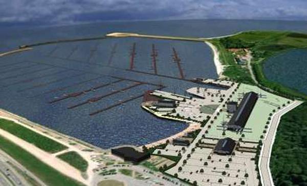 Admiral Marina bliver landets første fem-stjernede marina med plads til 2500 lystbåde , en bådforretning, et værksted, kontorfaciliteter, spisesteder og butikker. Fuldt udbygget er det et projekt til 140 mio. kroner.