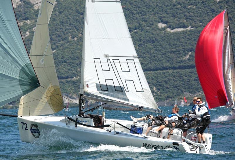 Melges.dk Sailing Team for fuld udblæsning. Arkivfoto