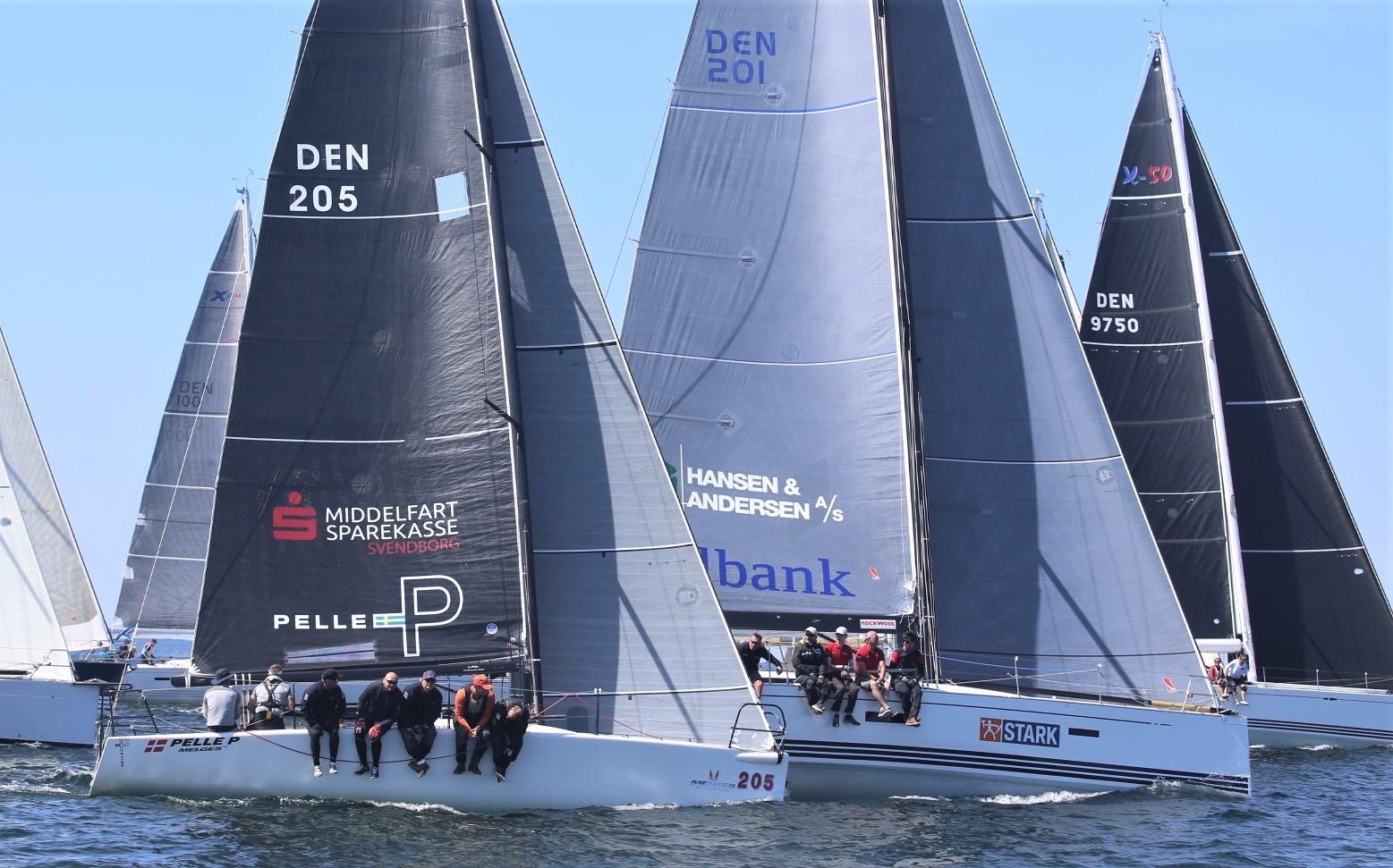 Melges 32eren vandt starten og kæmper her med Stony, en Xp44 fra Næstved. Foto: Minbaad.dk/Kristian B. Møller