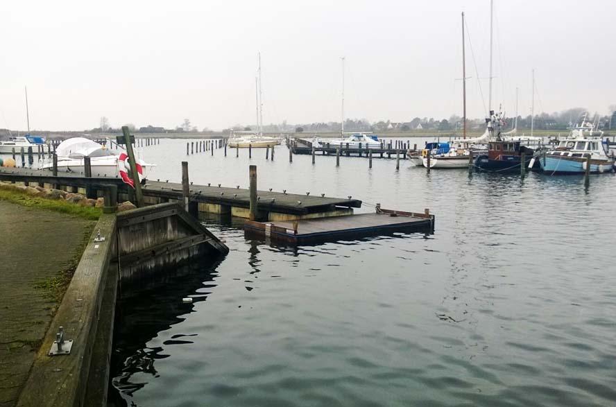 Her ses Norsminde havn fornylig. Den er så vidt vi ved, ikke med i FLIDs booking-system. Foto: Troels Lykke