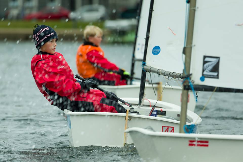 KDY vandt også holdsejlads i Opti i år. Det skete på Peblingesøen. Foto: Mogens Hansen