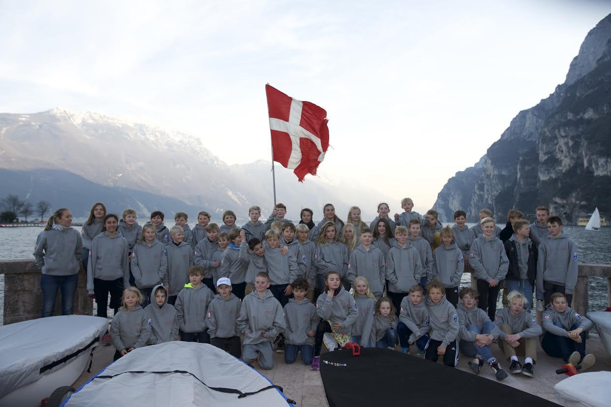 54 danske sejlere med familie brugte påsken på Gardasøen. Foto: Nikolaj Brunnich