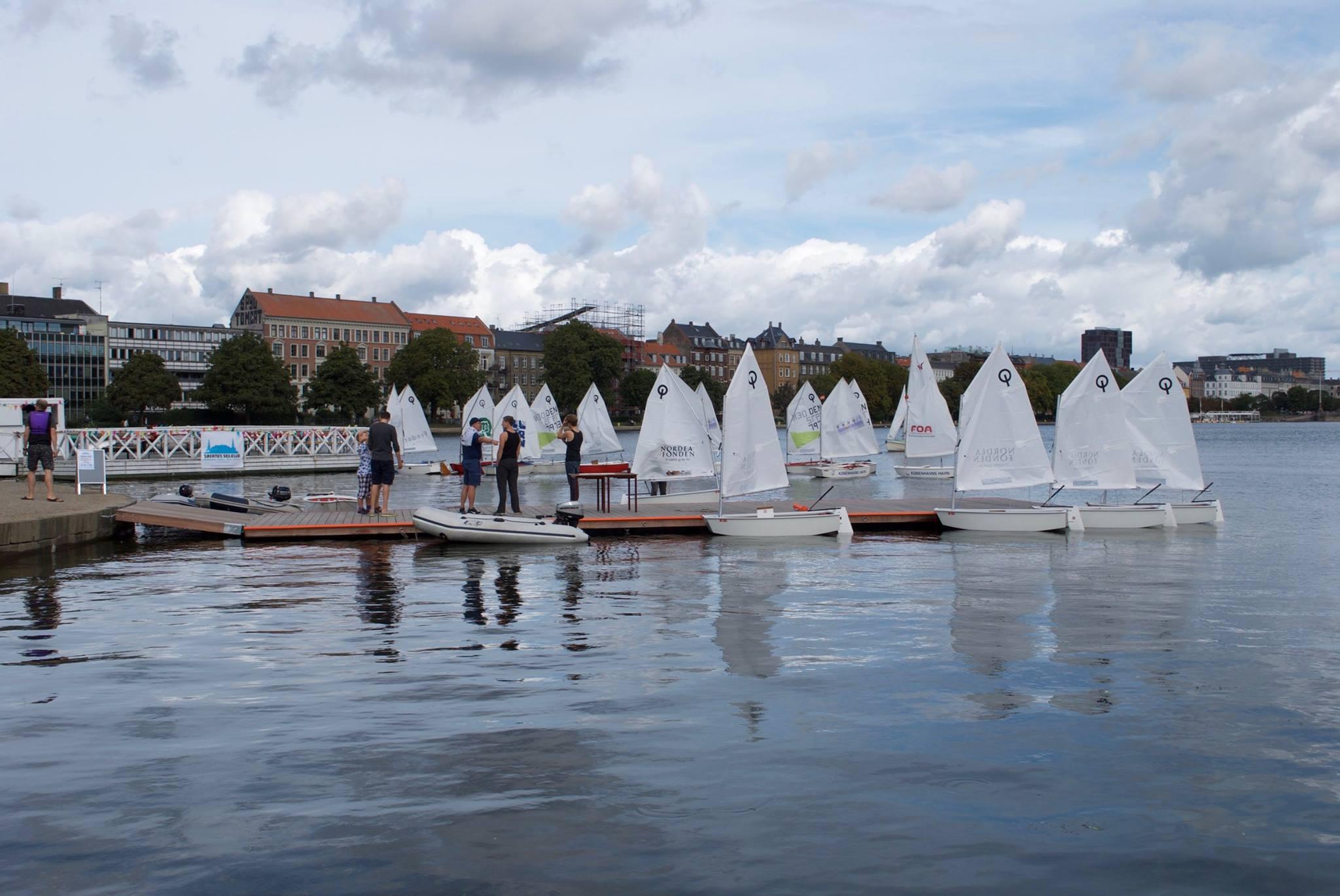 40 Optimistjoller kæmper om Hold-DM midt i København