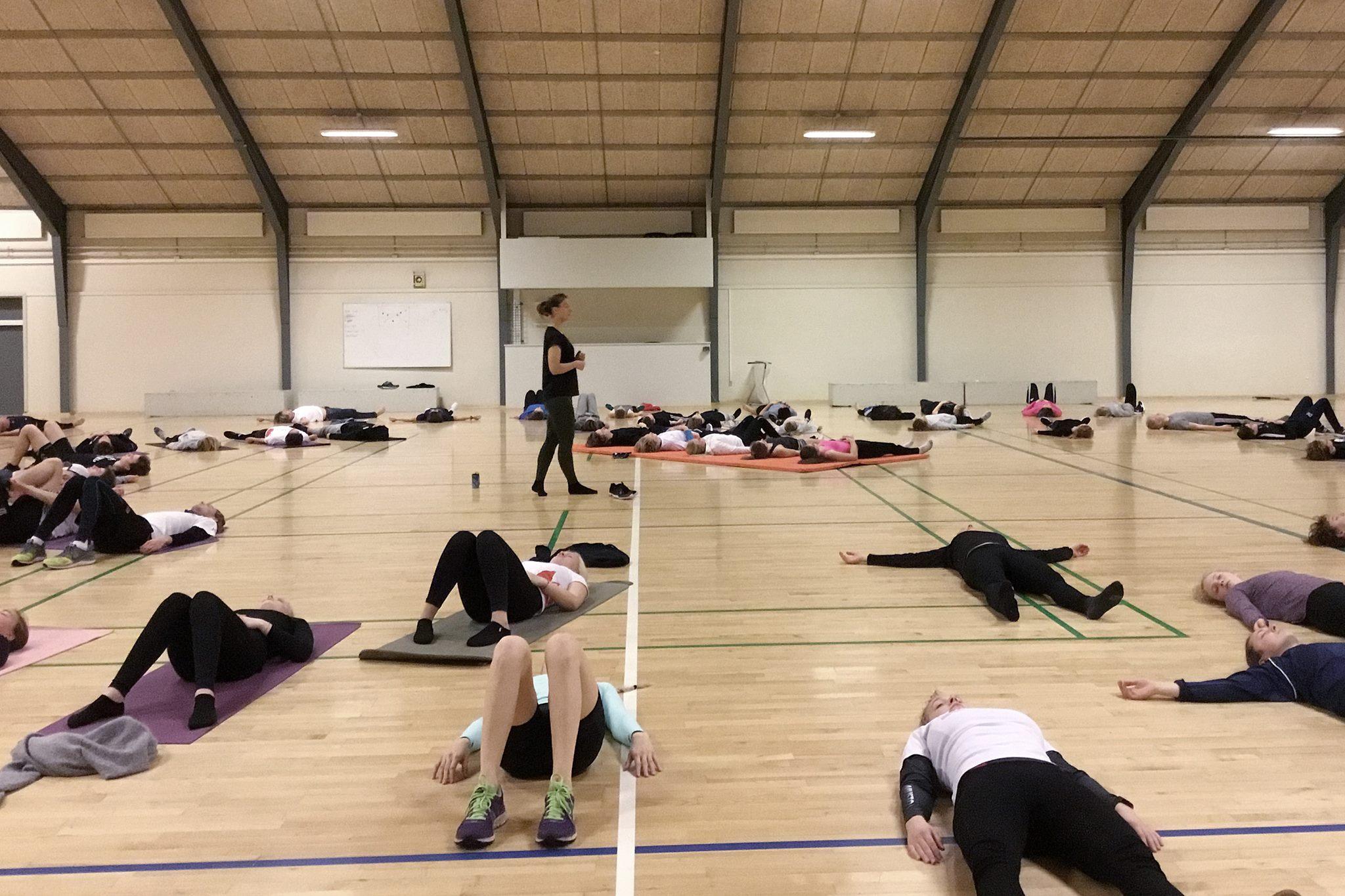 Dansk Sejlunions årlige tør-træningslejr afholdes på Skolerne i Oure. Foto: Oure.