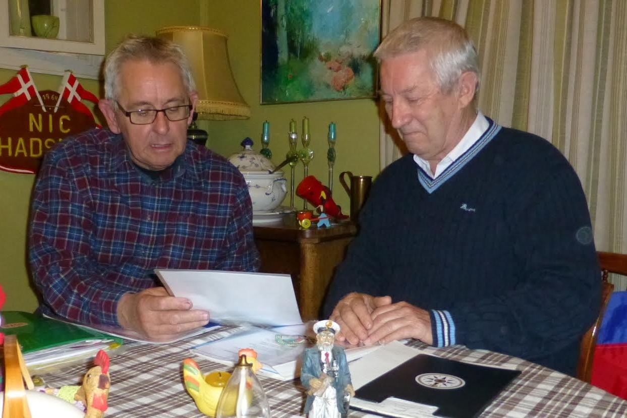 Det var her, det hele startede. I Poul Flohrs (th) stuer sammen med Ole Nielsen (tv). Foto: Per Carlsen