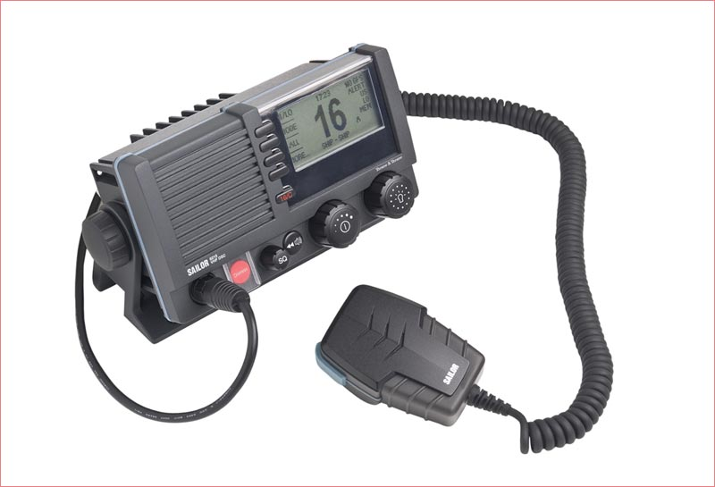 Sailor 6215A VHF DSC opfylder alle de nye krav. Foto: Polaris