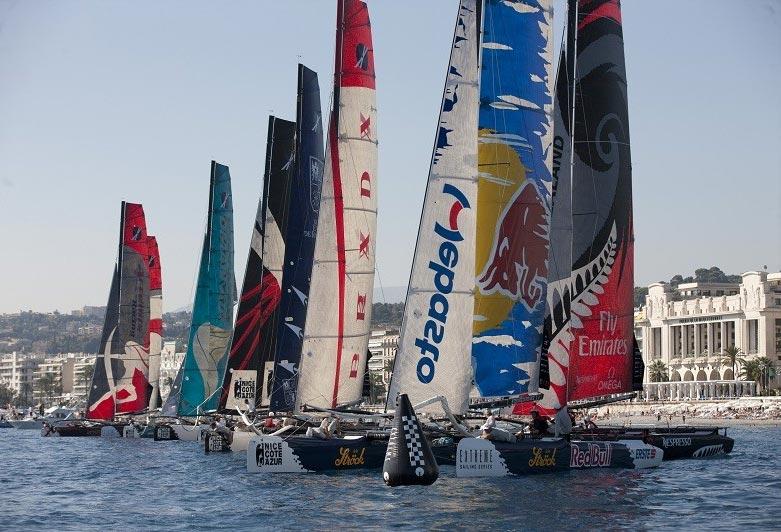 Red Bull til start i Nice. Foto: extremesailingseries.com