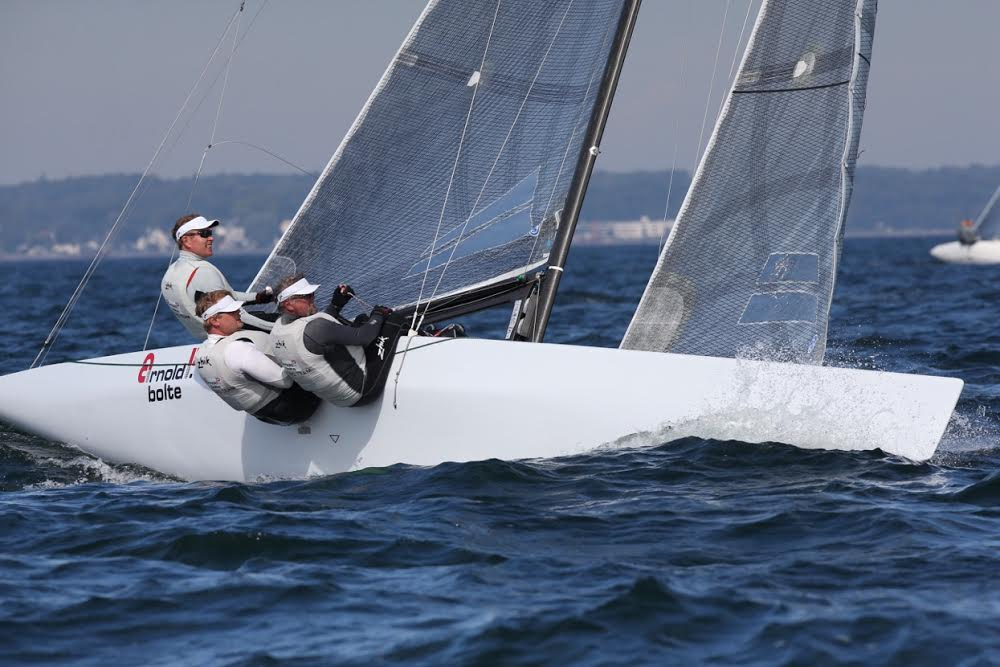 Selko og mandskab sejlede 5. plads hjem i dag. Det rakte til en samlet sølvplacering. Foto: Per Heegaard/KDY