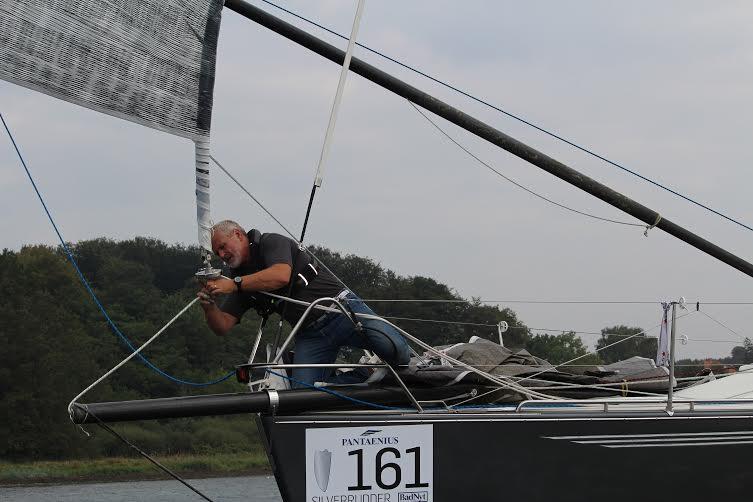 Danmarks mest succesfulde sejlads, Silverrudder, starter fredag morgen. Her ses William Friis-Møller på en IMX-40, der plejer at være helt fremme. Foto: Katrine Bertelsen