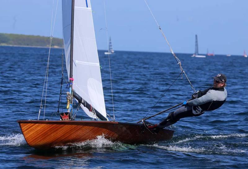 Søren Dulong Andreasen fra Hellerup Sejlklub er tilbage efter et år på land med en rygskade, men stadig må han tælles blandt favoritterne til titlen.