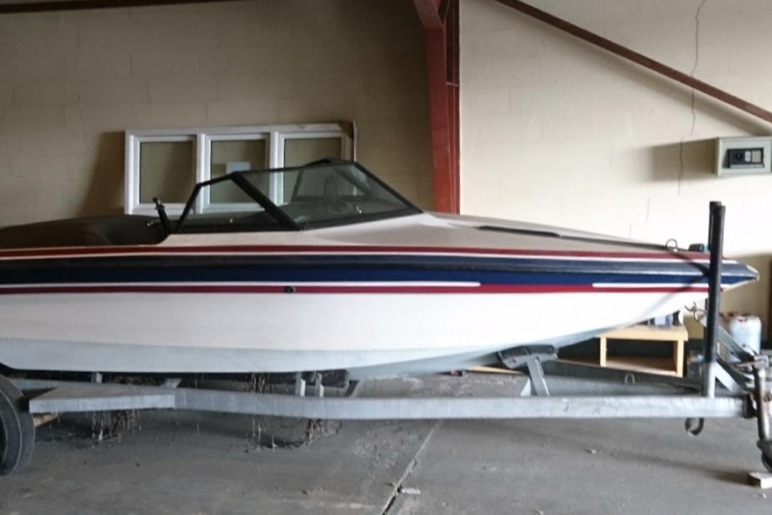 Båden har skrognummeret SKB01404A787. Foto: Stolenboats.dk